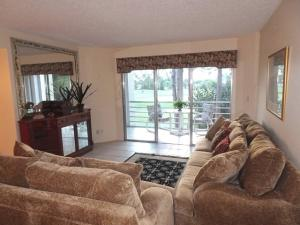 3755 Via Poinciana #303