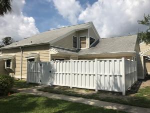 1402 Summerwinds Lane, Jupiter, FL 33458