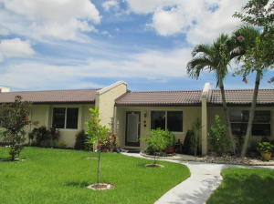 204 Lake Meryl Drive, West Palm Beach, FL 33411