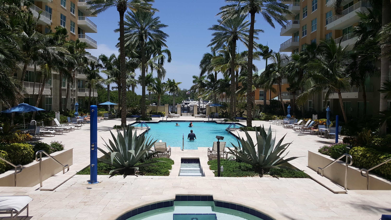 700 Boynton Beach Boulevard, Boynton Beach, Florida 33435, 2 Bedrooms Bedrooms, ,2 BathroomsBathrooms,Condo/Coop,For Sale,Boynton Beach,8,RX-10458897