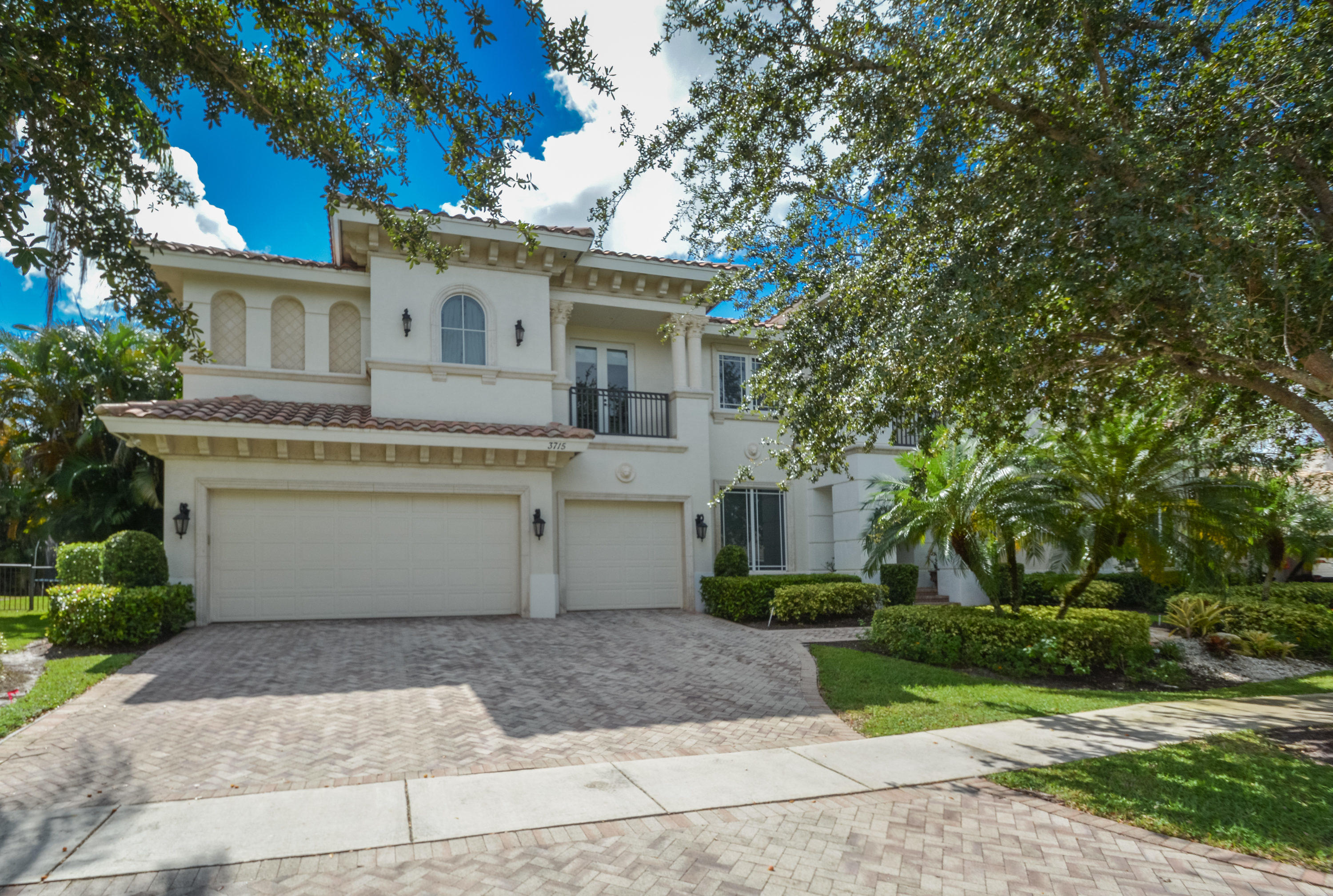 3715 Kings Way Boca Raton, FL 33434