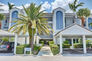 134 Bay Colony Drive, Juno Beach, FL 33408