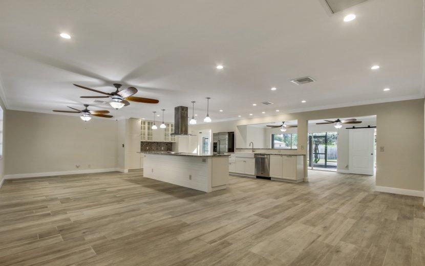 19946 Riverside Drive, Jupiter, Florida 33469, 5 Bedrooms Bedrooms, ,3 BathroomsBathrooms,Single Family,For Sale,Riverside,RX-10444996