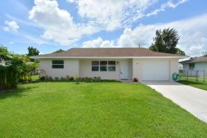 2044 SE Washington Street, Stuart, FL 34997