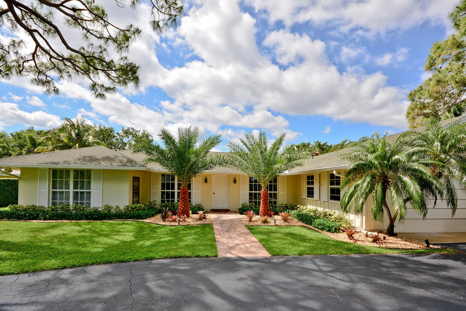 291 Country Club Drive, Tequesta, FL 33469