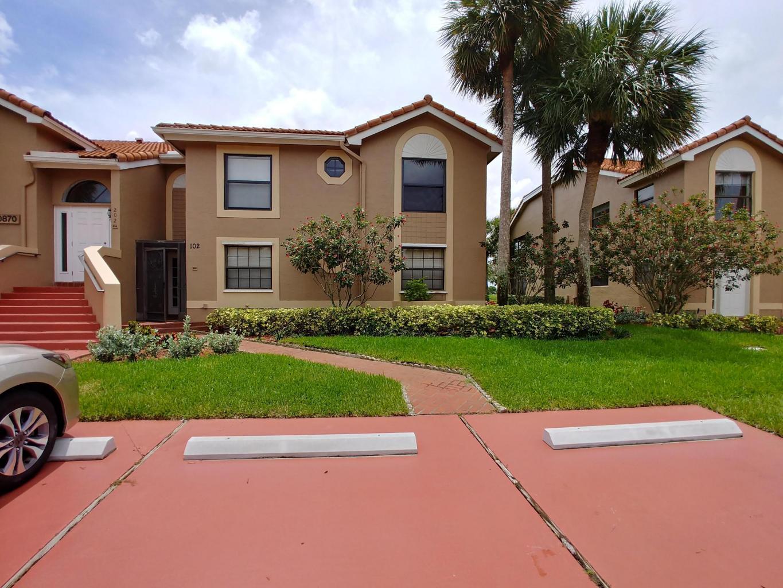 10870 Lakemore Lane #102 Boca Raton, FL 33498