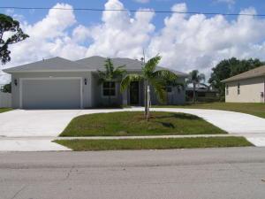 762 SE Thornhill Drive, Port Saint Lucie, FL 34953