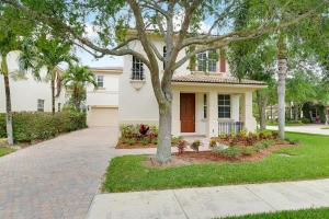 421 Pumpkin Drive, Palm Beach Gardens, FL 33410