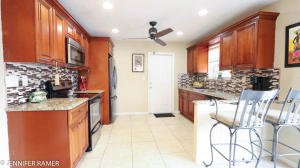 6873 Venetian Drive, Lantana, FL 33462