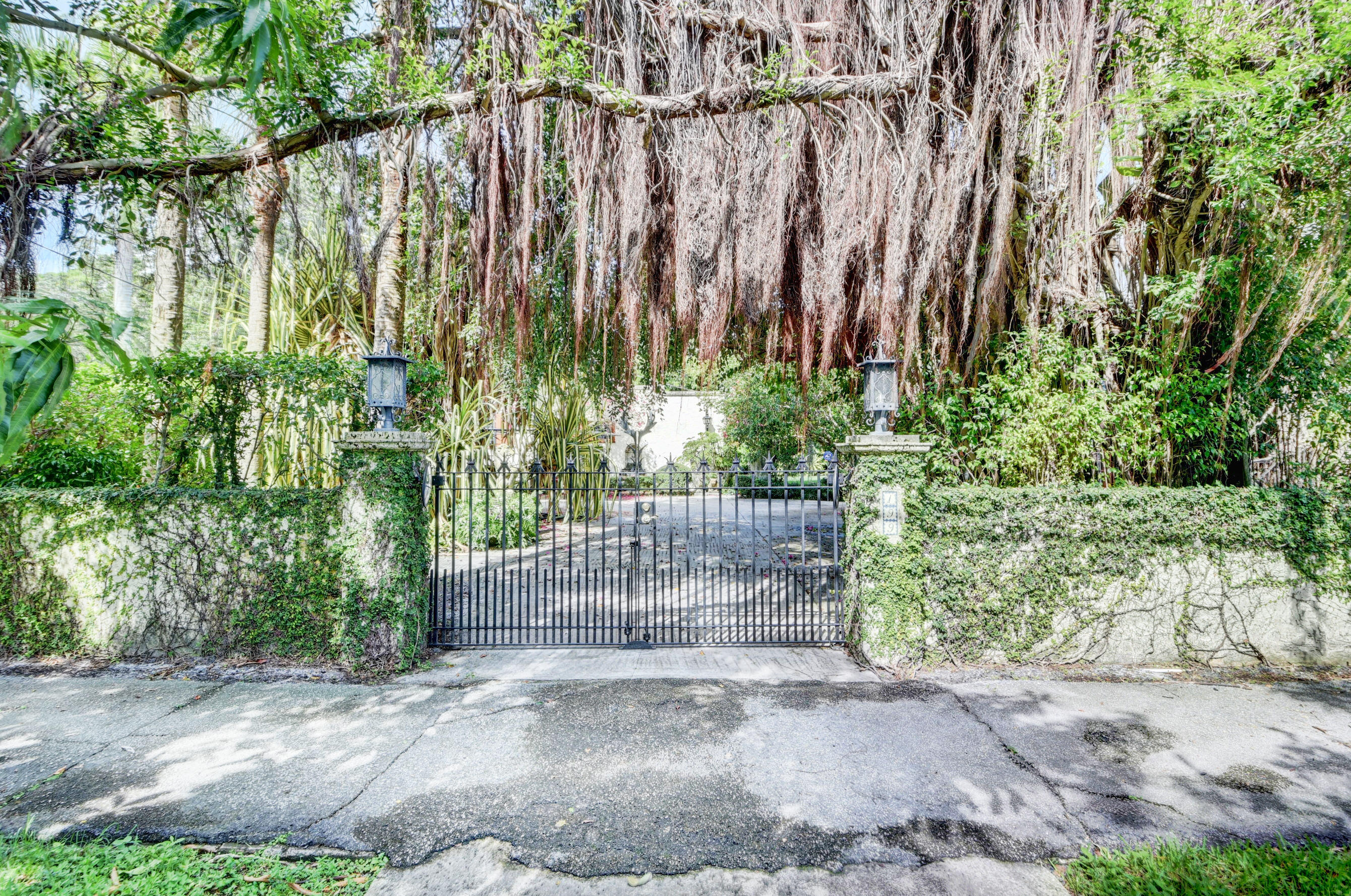199 N Paloma Avenue Boca Raton, FL 33486