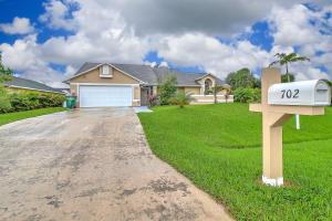 702 SW Mccullough Avenue, Port Saint Lucie, FL 34953