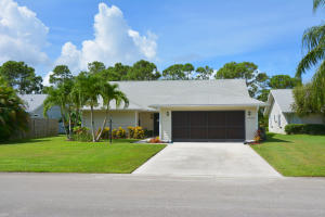 6635 SE Wigeon Court, Stuart, FL 34997