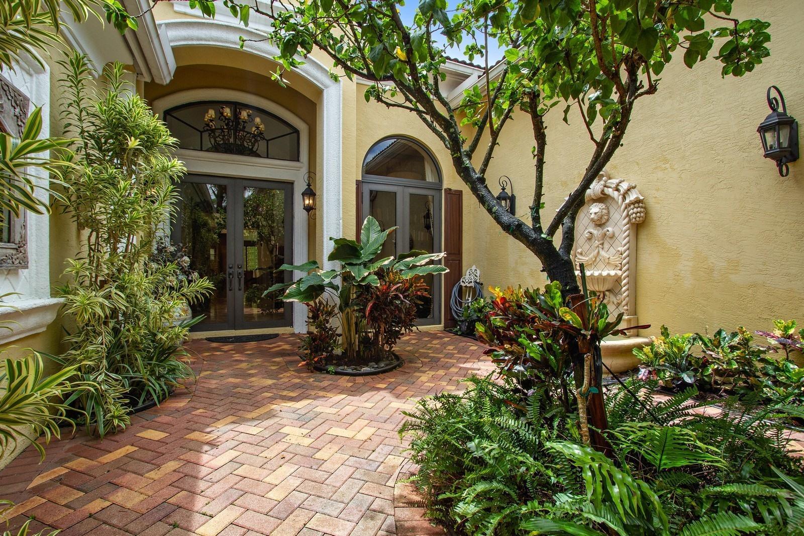17817 Villa Club Way, Boca Raton, Florida 33496, 4 Bedrooms Bedrooms, ,3.1 BathroomsBathrooms,Single Family,For Sale,THE OAKS,Villa Club,RX-10457329