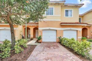 5076 SE Mariner Garden Circle, Stuart, FL 34997