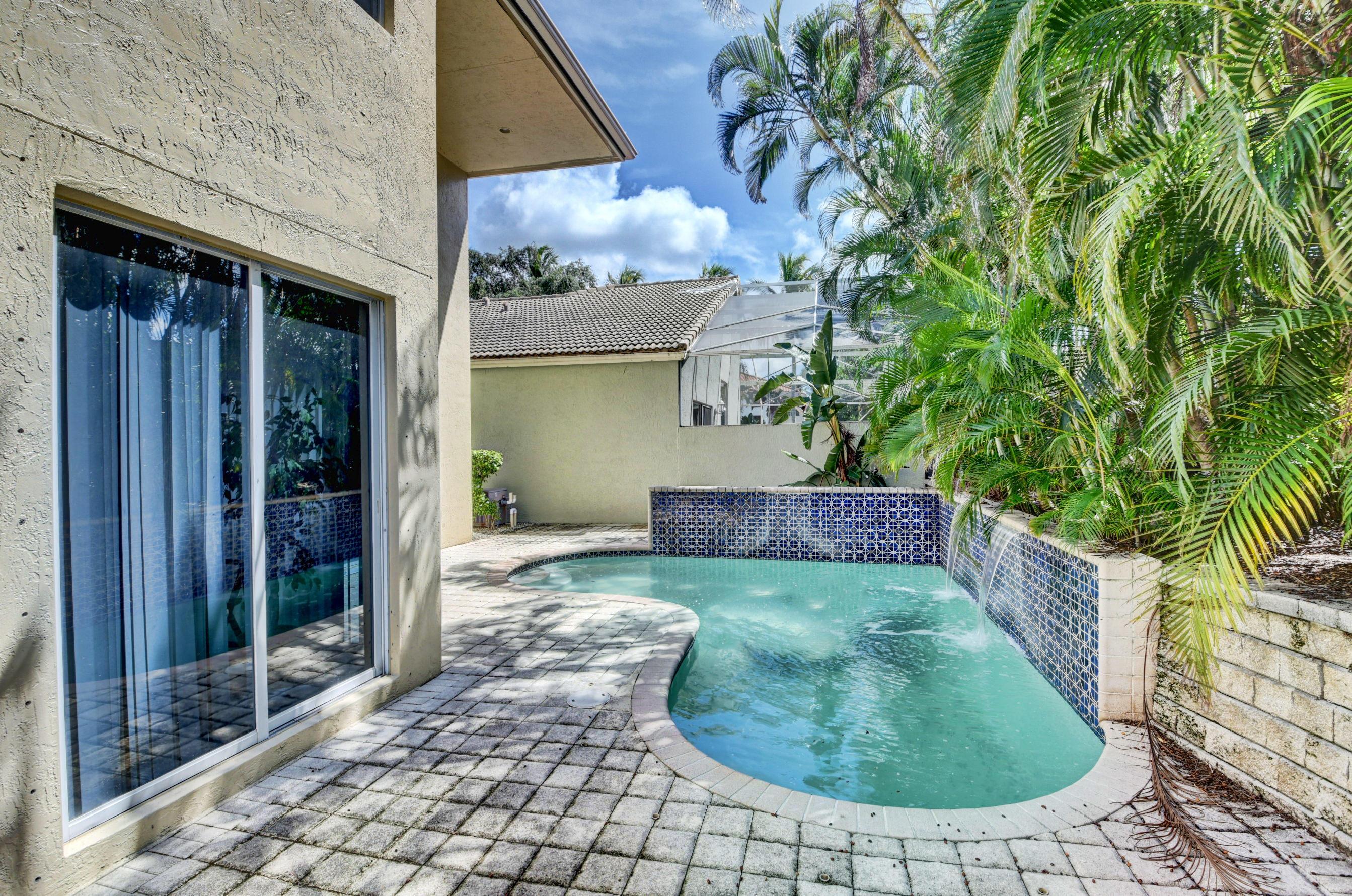 6515 NW 43 Terrace