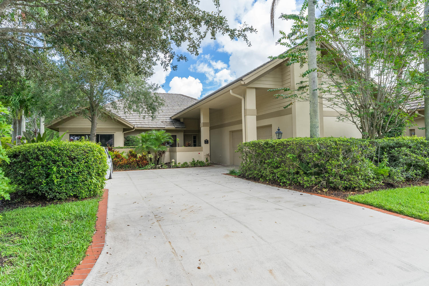 Photo of 156 Coventry Place, Palm Beach Gardens, FL 33418