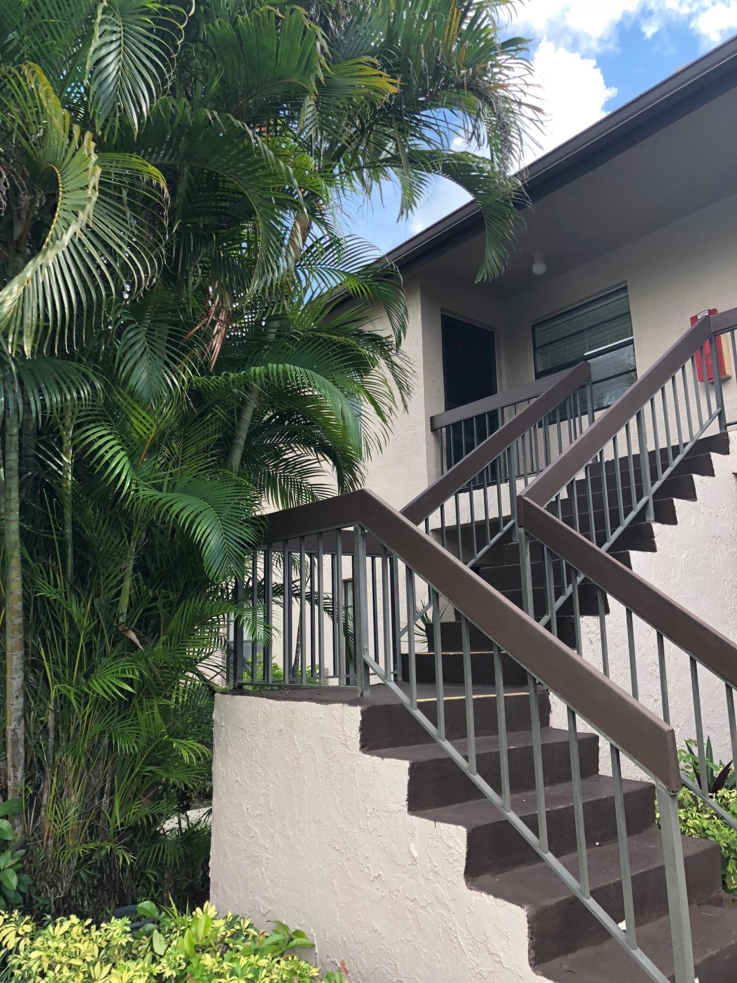 9187 Norte Lago #5d Boca Raton, FL 33428