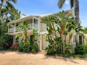 323 Arabian Road, Palm Beach, FL 33480