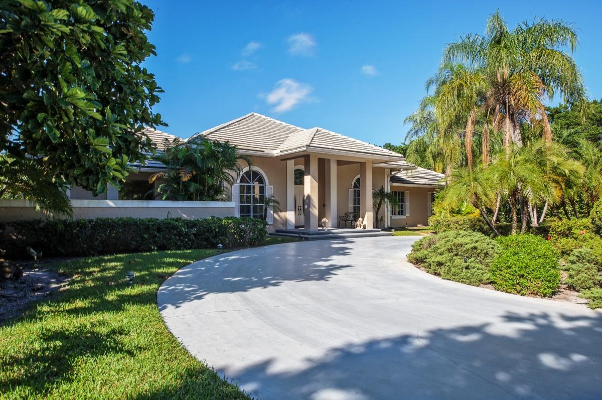 18212 Long Lake Drive Boca Raton, FL 33496