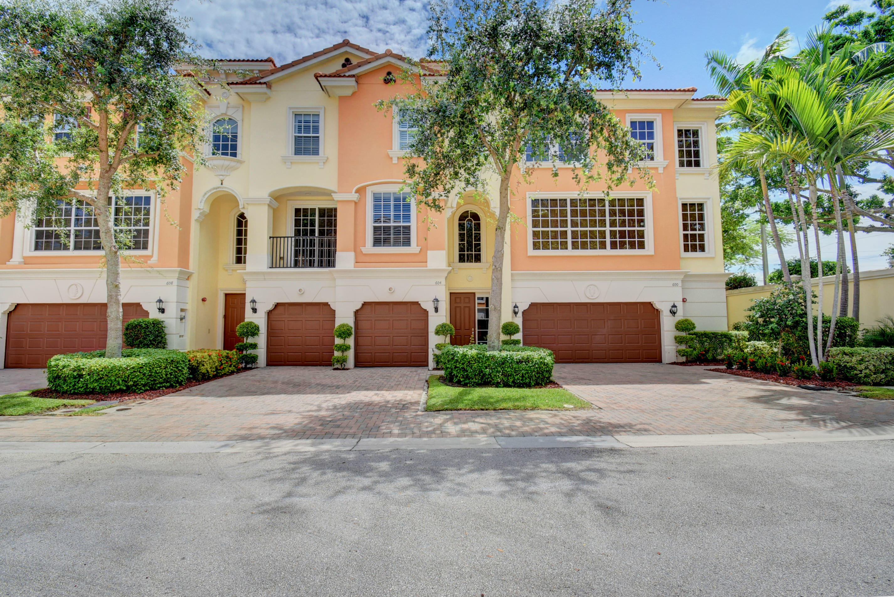 604 Ne Francesca Lane Boca Raton, FL 33487
