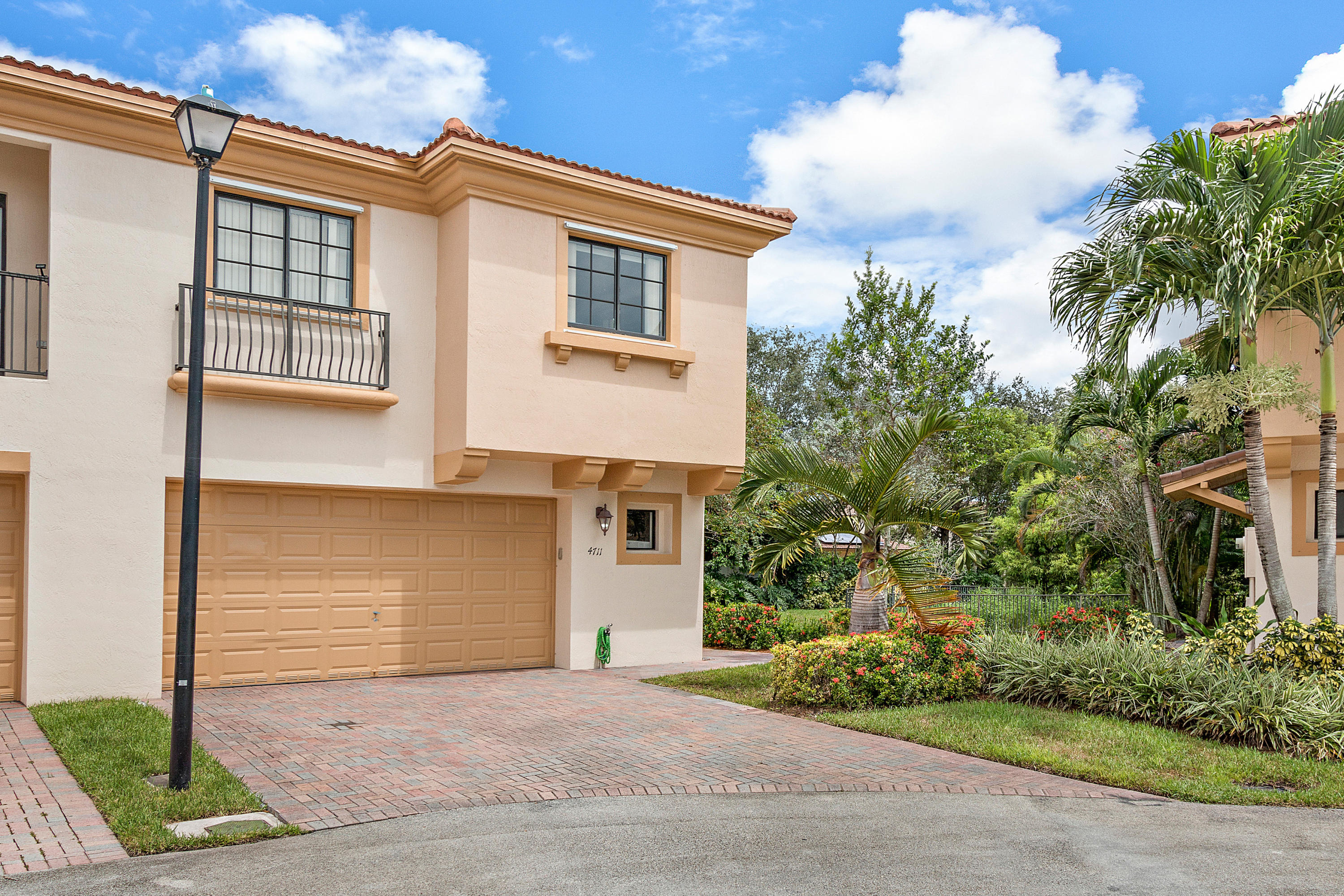4711 Grand Cypress Circle, Coconut Creek, Florida 33073, 3 Bedrooms Bedrooms, ,2.1 BathroomsBathrooms,Townhouse,For Sale,Grand Cypress,RX-10464110