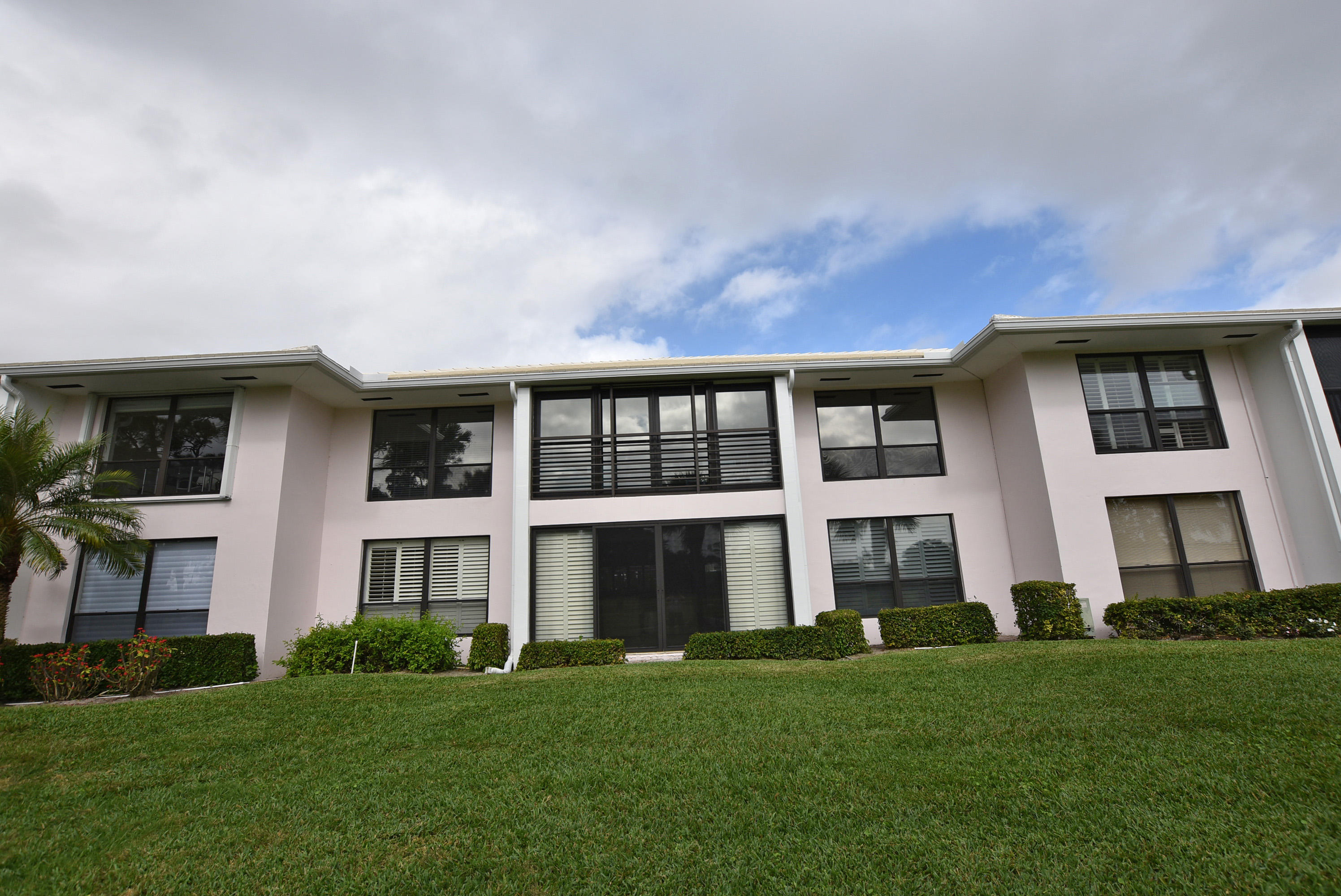3804 Quail Ridge Drive, Boynton Beach, Florida 33436, 3 Bedrooms Bedrooms, ,2 BathroomsBathrooms,Condo/Coop,For Sale,Blue Heron,Quail Ridge,2,RX-10463844