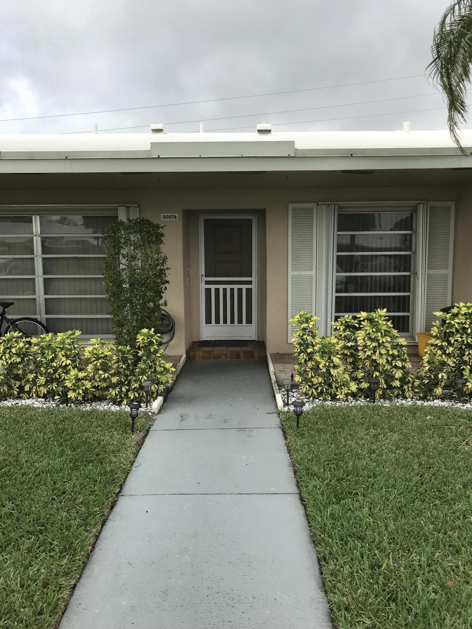 20874 Vinesta Circle #310 Boca Raton, FL 33433