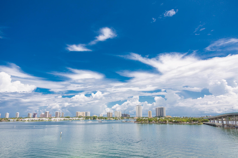 2640 Lake Shore Drive, Riviera Beach, Florida 33404, 2 Bedrooms Bedrooms, ,2 BathroomsBathrooms,Condo/Coop,For Sale,Lake Shore,512,RX-10465176