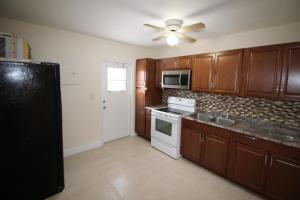 664 W 1st Street, Riviera Beach, FL 33404
