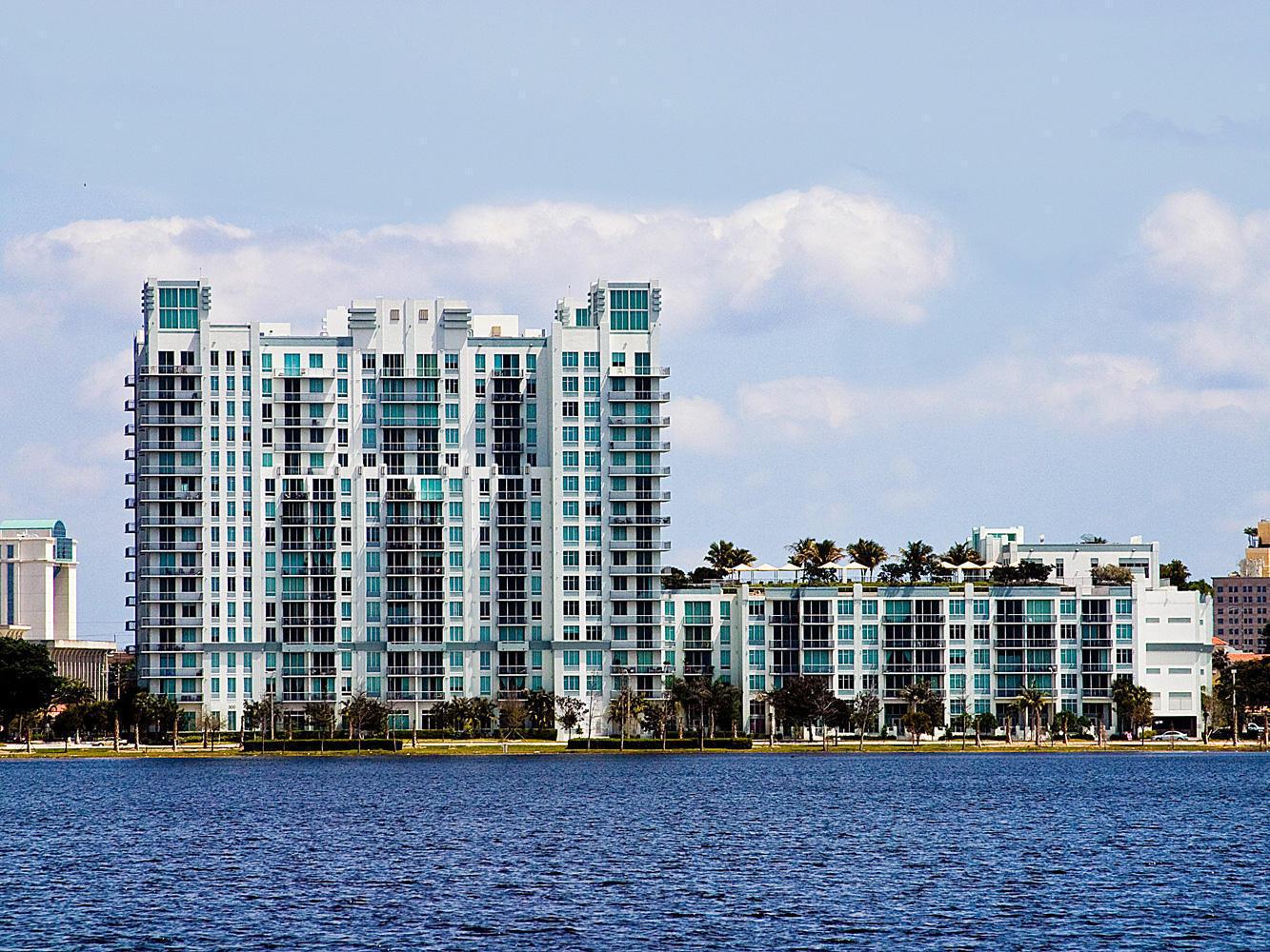 300 Australian Avenue, West Palm Beach, Florida 33401, 1 Bedroom Bedrooms, ,1 BathroomBathrooms,Condo/Coop,For Sale,Australian,7,RX-10466016