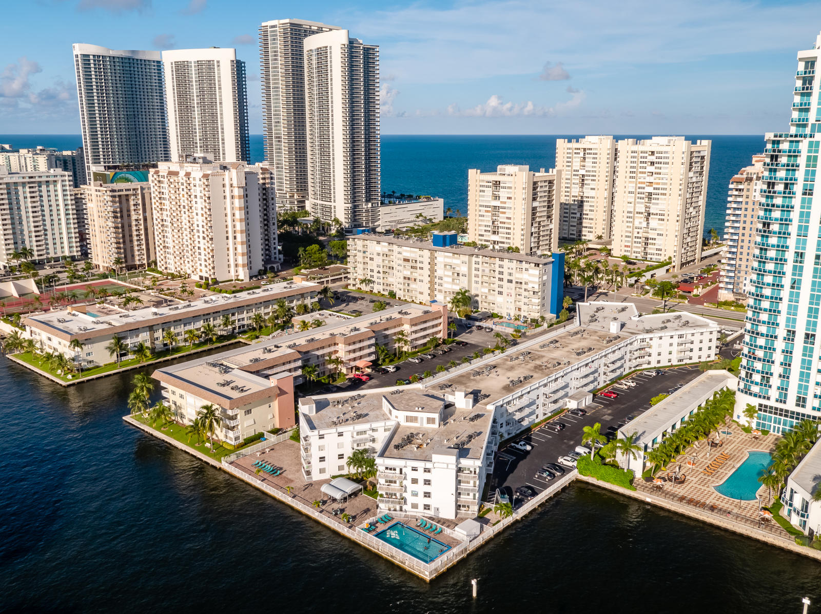 1913 S Ocean Dr. Hallandale Beach(MLS)