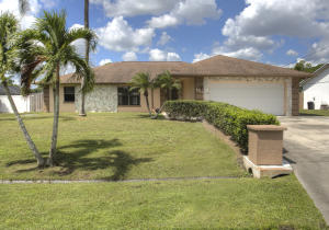 455 SE Fallon Drive, Port Saint Lucie, FL 34983