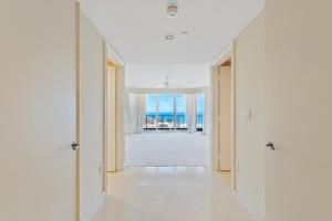 570 Ocean Dr Juno Beach FL-large-031-44-
