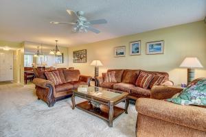 4110 Tivoli Court, 207, Lake Worth, FL 33467