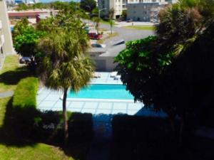 2711 Vandiver Drive, 302, West Palm Beach, FL 33409