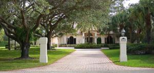 5663 S High Flyer Road, Palm Beach Gardens, FL 33418