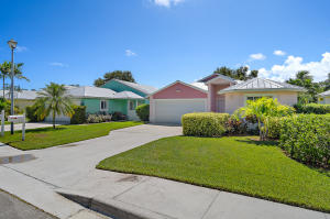 104 Old Jupiter Beach Road, Jupiter, FL 33477