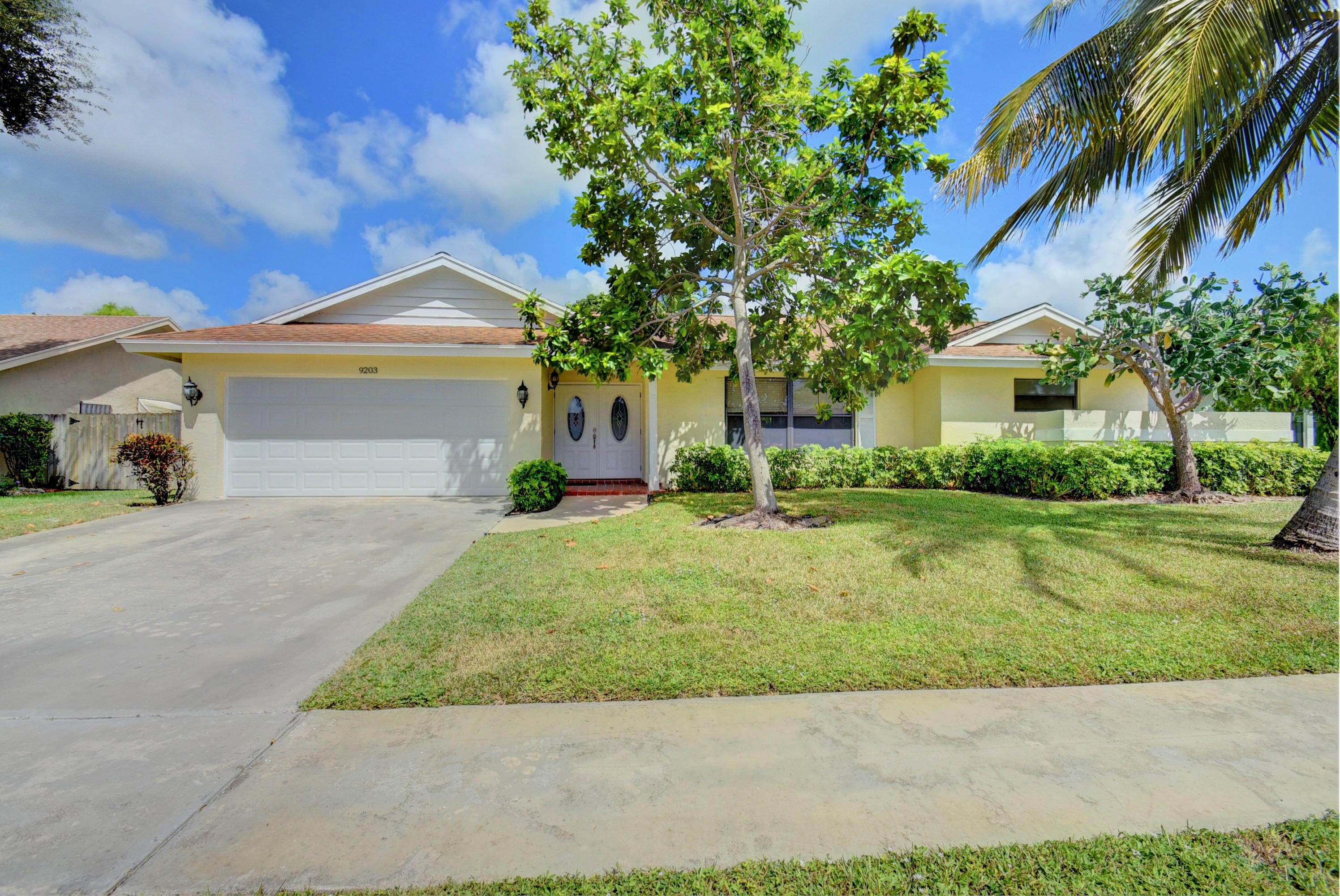 9203 Edgemont Lane Boca Raton, FL 33434