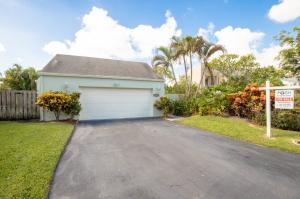 2140 NW 10th Place, Delray Beach, FL 33445