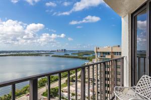 5420 N Ocean Drive, Singer Island, FL 33404