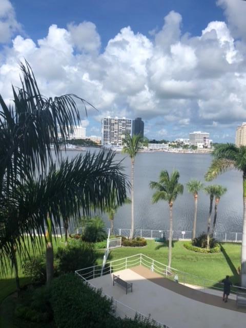 44 Cocoanut Row Row 416 B, Palm Beach, FL 33480
