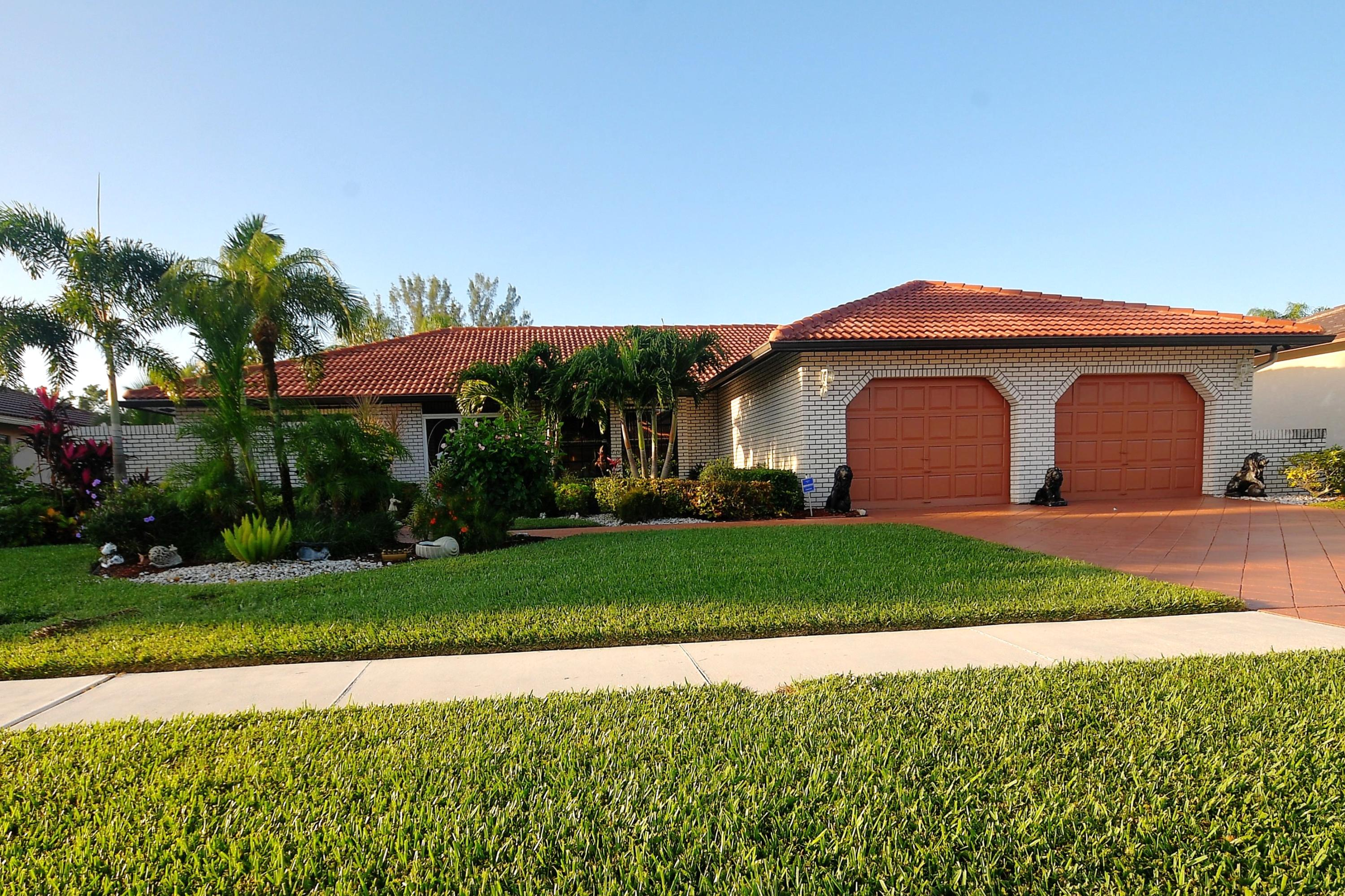 Extremely clean home on golf and water.  New kitchen, appliances, a/c and lots more.  Updated bath, marble floors.  No membership requires, just play and pay.  The low HOA fee also includes cable and high speed internet.