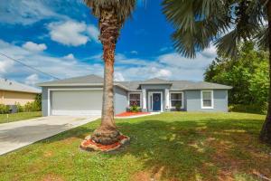 2555 SW Chestnut Lane, Port Saint Lucie, FL 34953