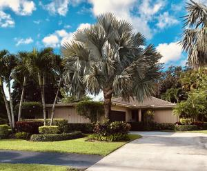 6684 Eastpointe Pines Street, Palm Beach Gardens, FL 33418