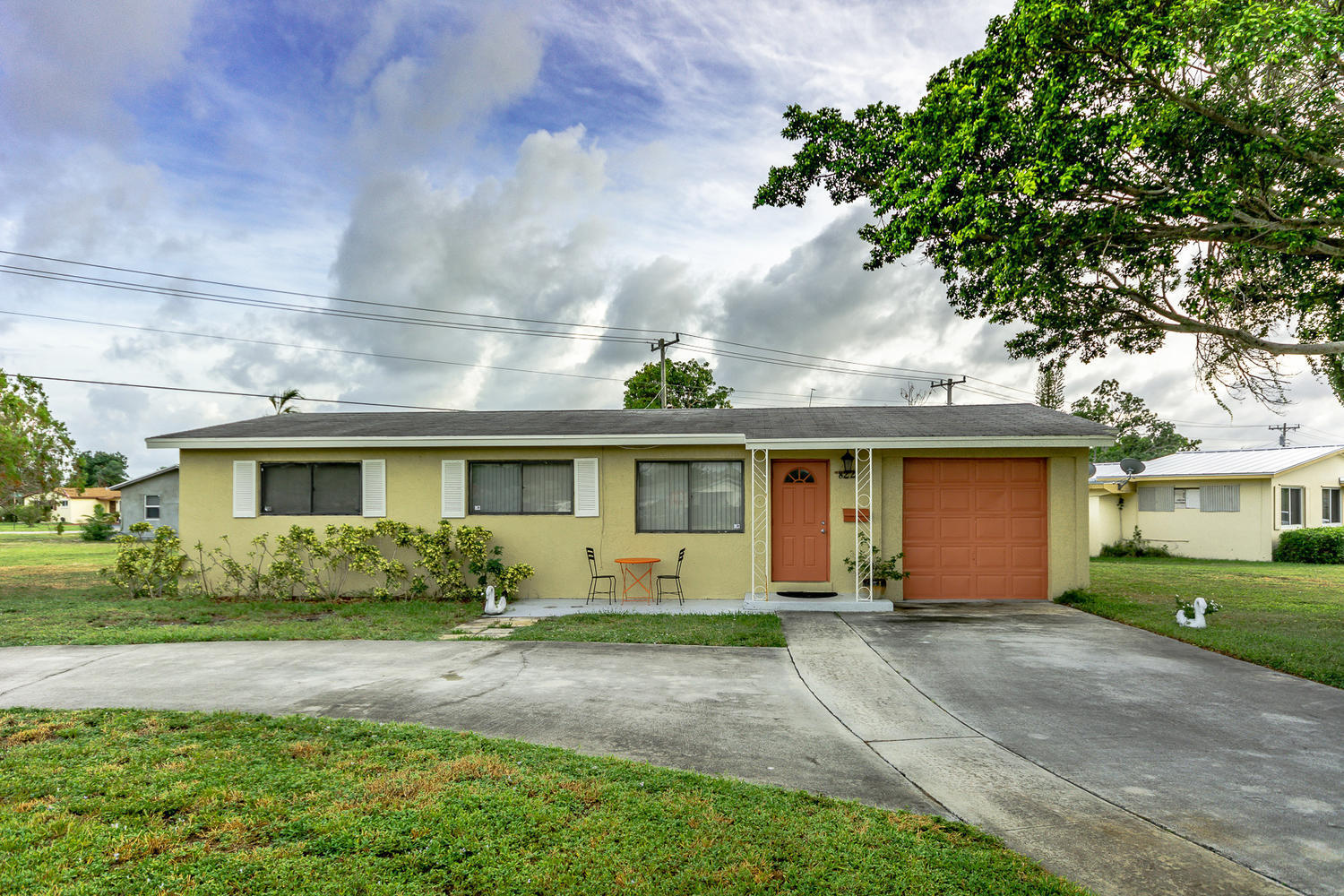 822 W Jasmine Dr West Palm-large-001-2-D