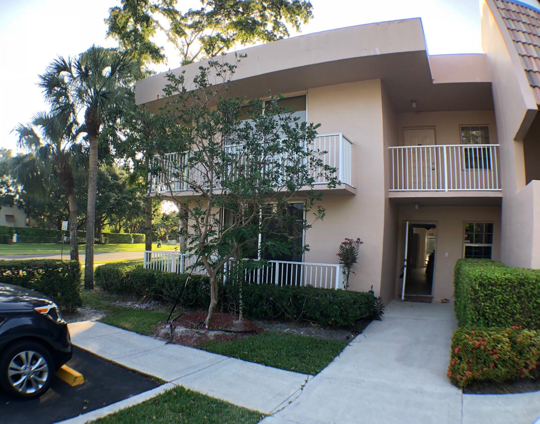 4200 Oaks Terrace #106 Pompano Beach, FL 33069