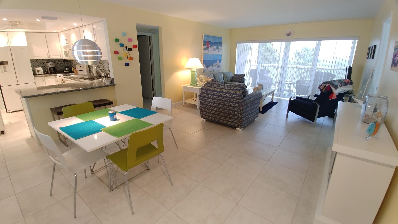 2400 Ocean Drive, Fort Pierce, Florida 34949, 2 Bedrooms Bedrooms, ,2 BathroomsBathrooms,Condo/Coop,For Rent,CAPSTAN I CONDOMINIUM,Ocean,2,RX-10471170