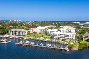 424 Bay Colony Drive N, With Boat Slip, Juno Beach, FL 33408