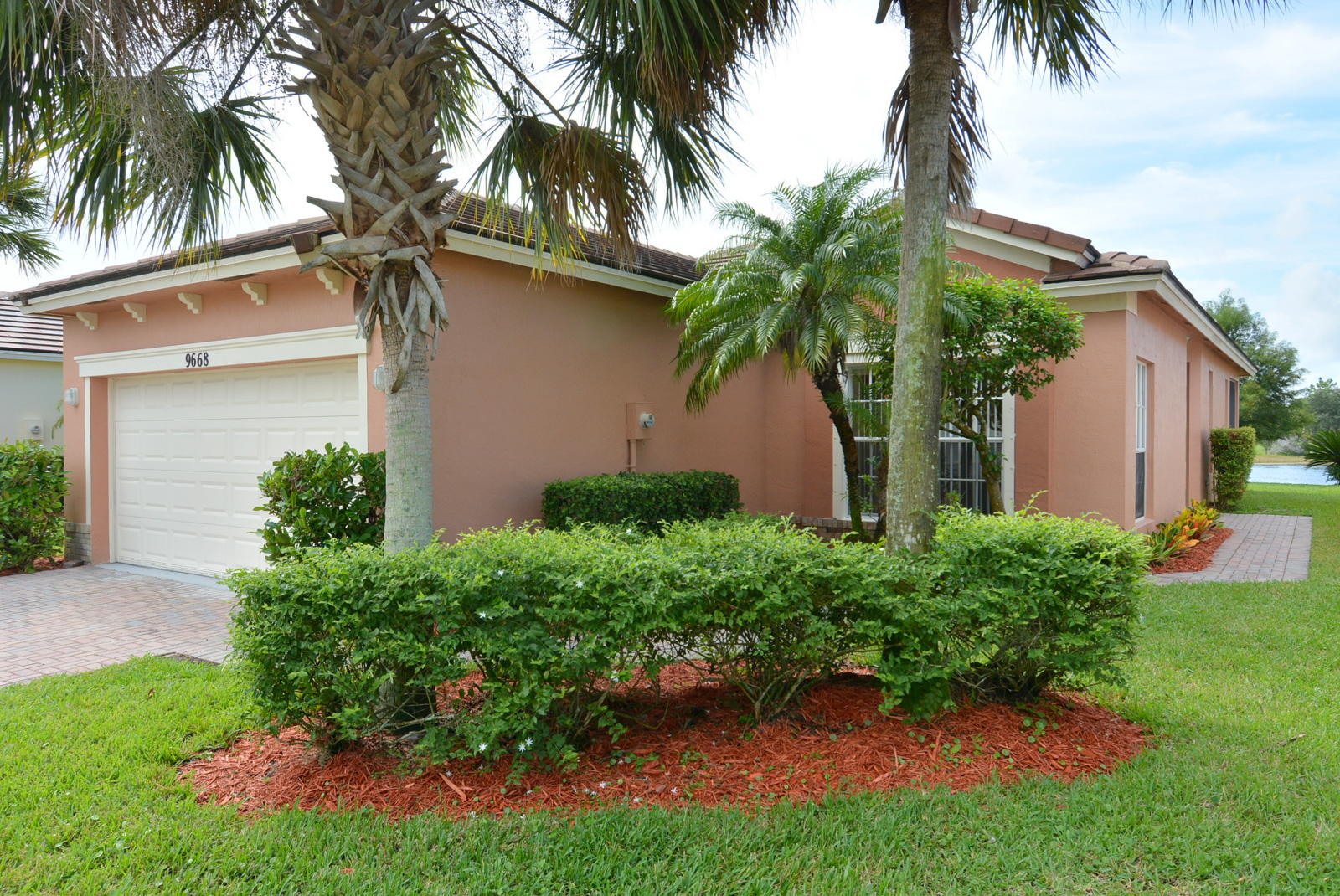 Amazing! Seller to credit Buyer 1st year of Heritage Oaks Hoa fees @ $159.00 mo x 12 at closing. Seller to credit buyers $3000.00 towards closing costs at closing. Buyer's Lender must allow for these credits to occur. True Three Bedroom, Two Bath, Two Car Garage, Waterfront Location in Gated Heritage Oaks. Open floor plan, freshly painted in and out. Tile in Living/Dining, New flooring in all three bedrooms. Large open Kitchen with 42'' upgraded cabinets w/eat in Kitchen area. Private Screened patio over looking the beautiful lake. Hoa includes: Cable, Internet, Lawn Care, Irrigation, Pest Control, Monitored Alarm, Manned Gate, Community amenities, Property Management fees, & more! Don't miss out on this amazing property and deal!  Hoa Docs on line at Heritageoakshoa.org