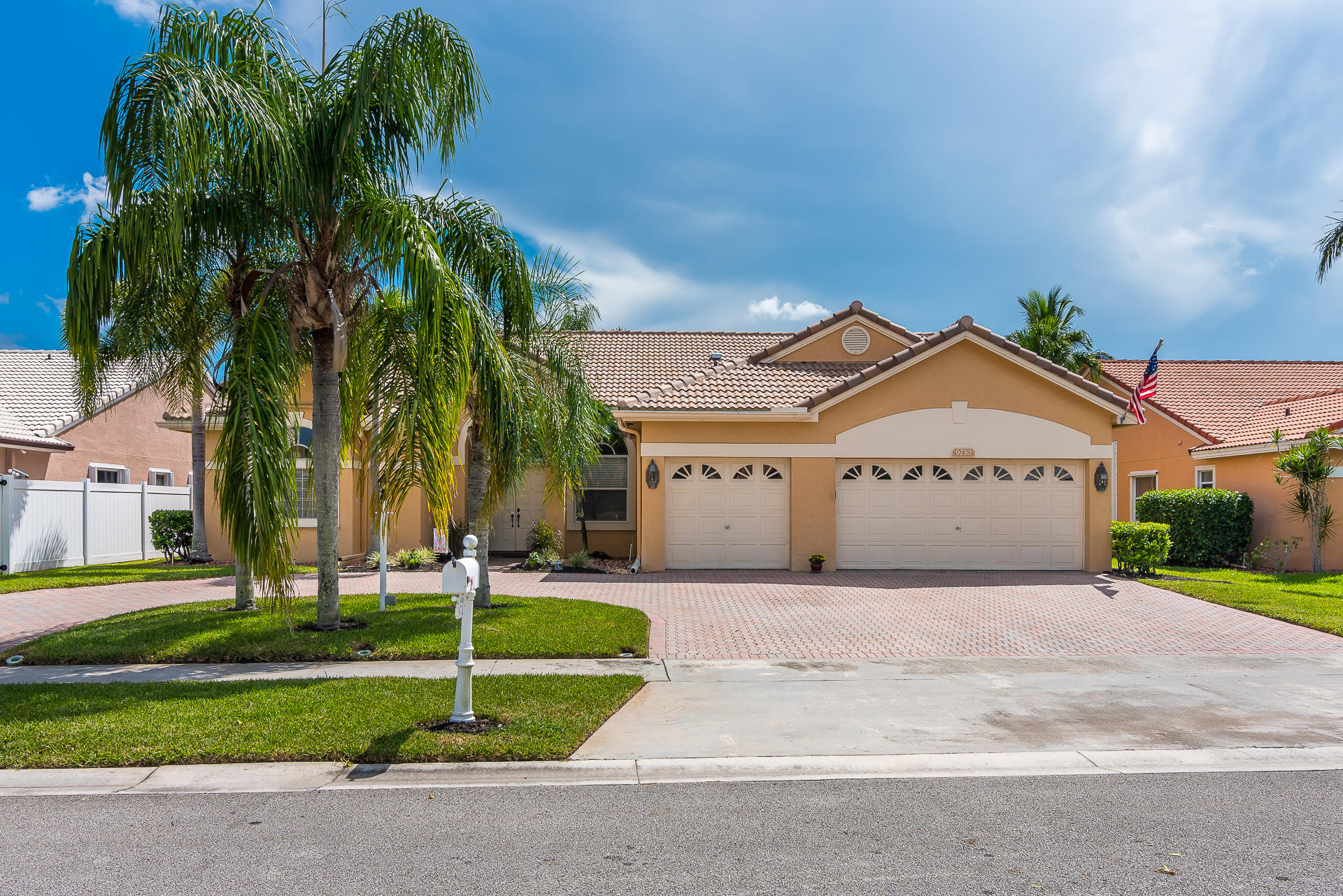 9730 Enchanted Pointe Lane Boca Raton, FL 33496